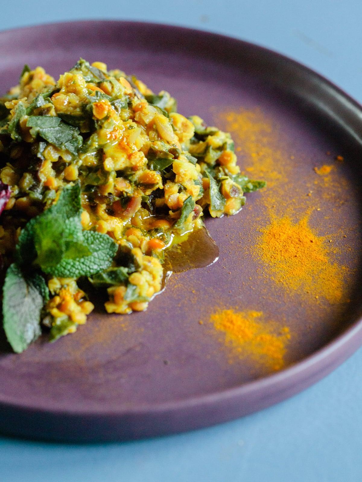 indisches curry mit linsen und mangold