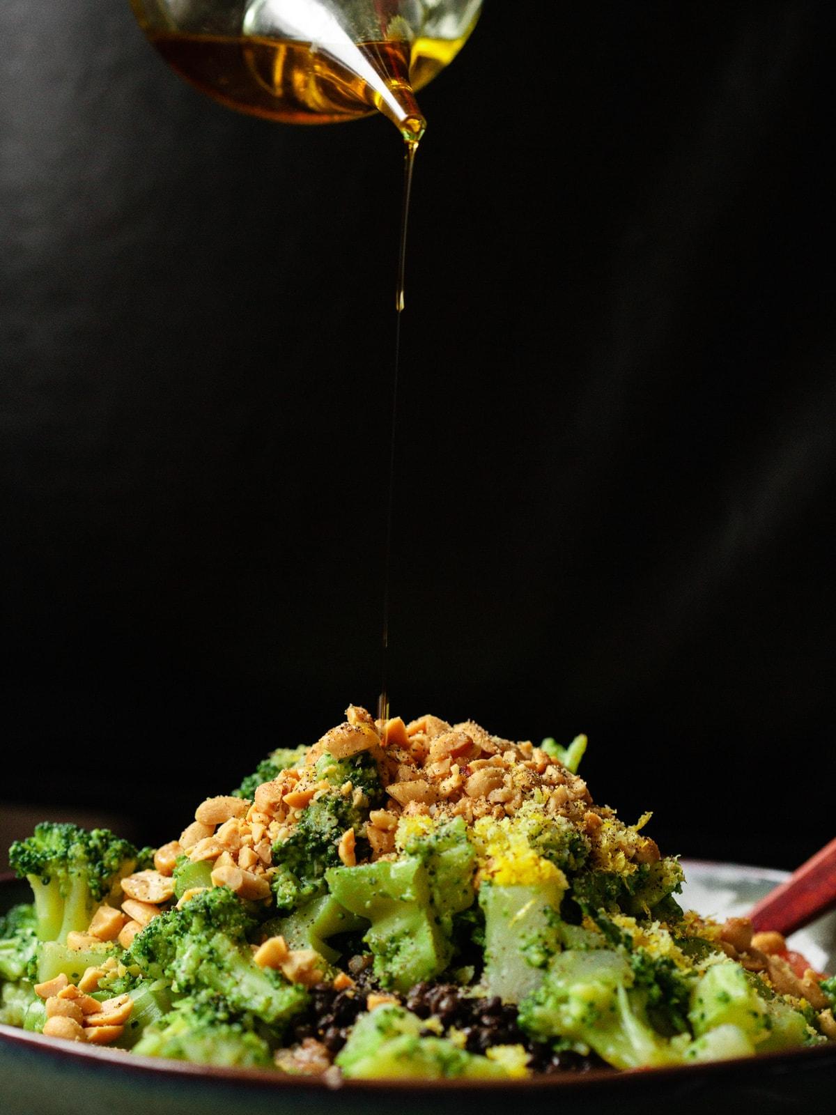Dinkelsalat mit Brokkoli und Belugalinsen