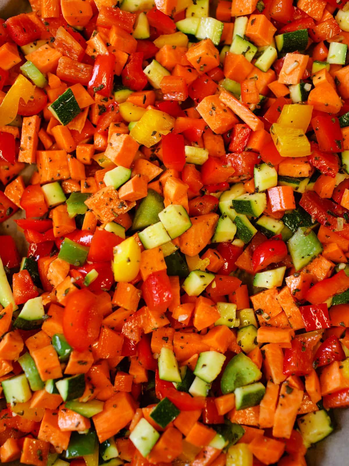Kartoffelrouladen-gefüllt-mit-Spinat-Ricotta-und-buntem-Gemüse-ökoinstitut-Sterneacker (11)