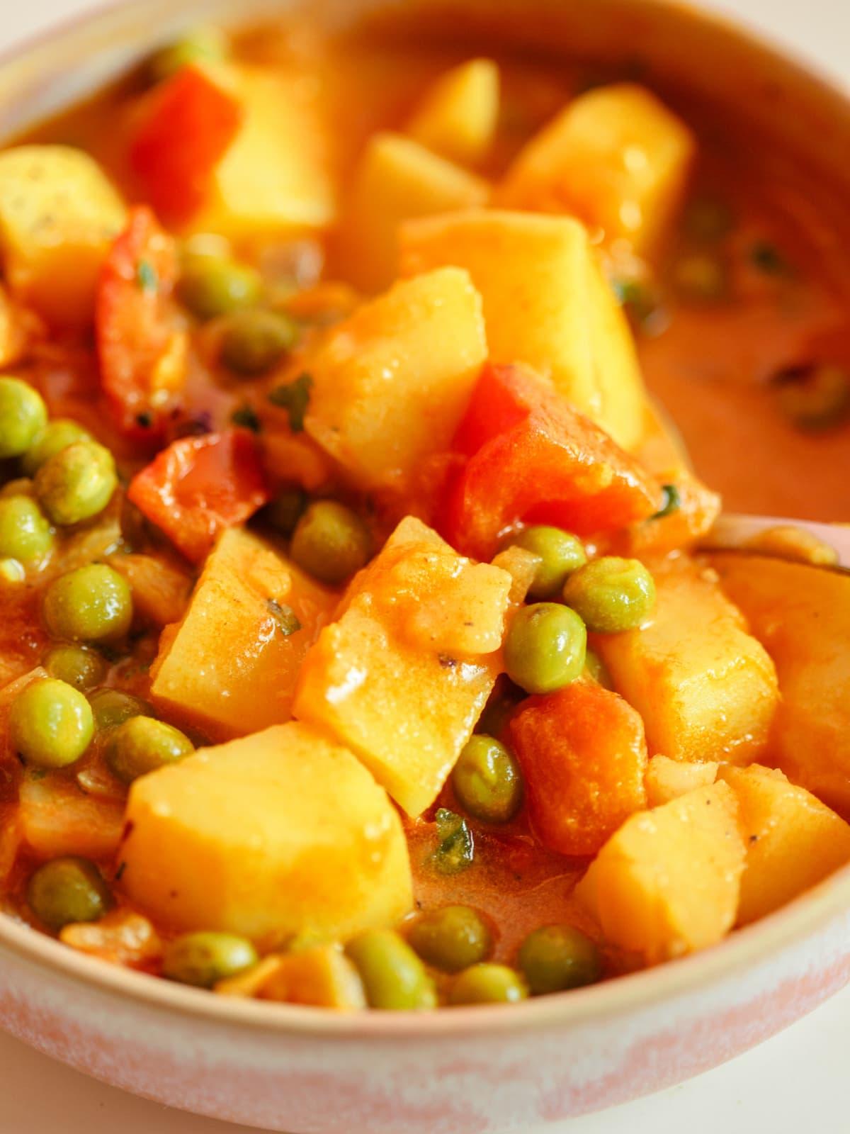 aloo matar - veganes curry mit erbsen, kartoffeln und tomaten -Sterneacker (16)