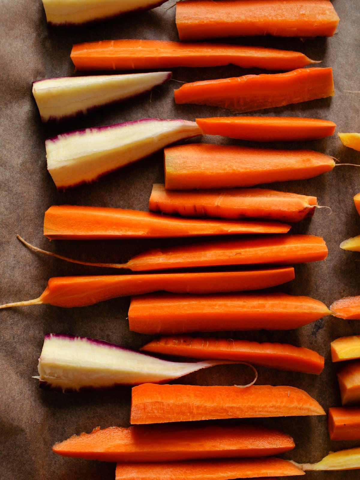Ackerkarotten klein geschnitten