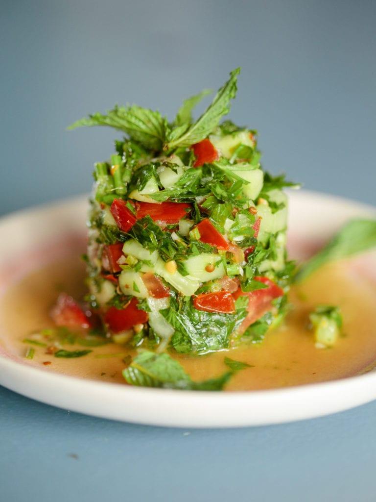 Orientalischer Tomaten-Gurkensalaten Varianten enthalten