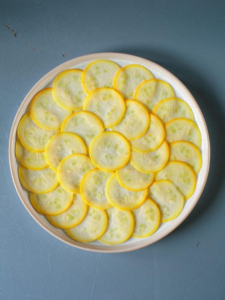 carpaccio von der gelben zucchini